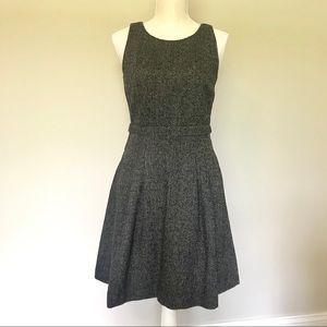 LIKE NEW Banana Republic Dress W/Pockets Gray Sz 4